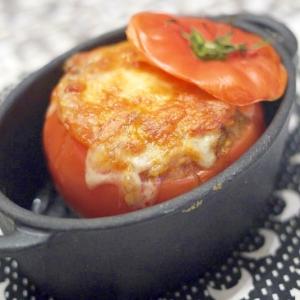 トマトファルシー(トマトのひき肉詰めオーブン焼き)