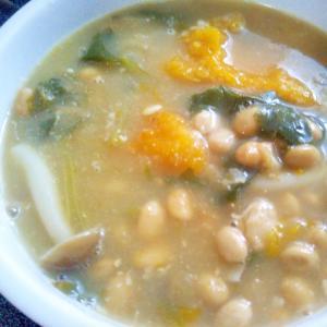 納豆ほうれん草しめじ南瓜の味噌スープ