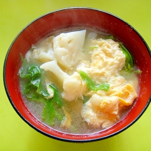 カリフラワーと菜の花のかき玉味噌汁