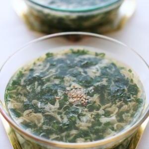 モロヘイヤのねば力で、冷たいかき玉スープ