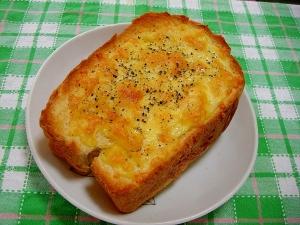 チーズマスタードトースト