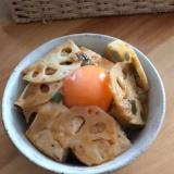 焼き豆腐とレンコンのピリ辛煮丼