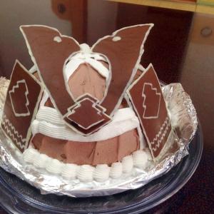 かぶとの立体ケーキ