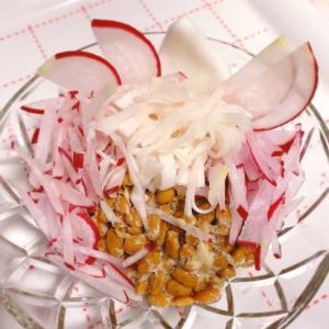 紅白 酢漬けで納豆サラダ