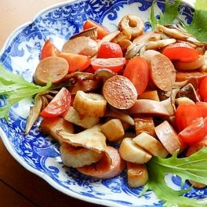 トマト入り❤練り物&キノコのバター醤油炒め♪