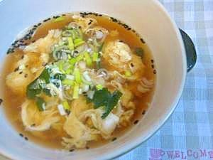 卵とわかめの中華スープ