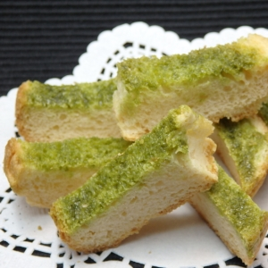 食パンの耳で作る抹茶ラスクの作り方