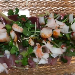 カニカマとカイワレ、ハマチの中華サラダ