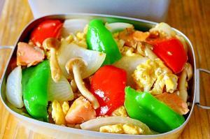 鮭と卵と野菜の中華炒め