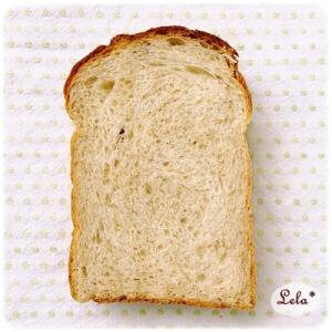 全粒粉とメープルシュガーの食パン