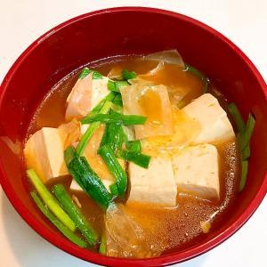 具沢山で美味しく☆キャベツとニラの豆腐チゲ