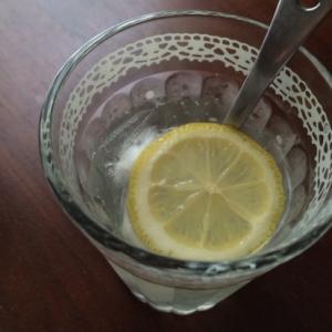蜂蜜レモンでさっぱりレモネード