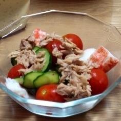 カニカマとプチトマトのサラダ(o^^o)