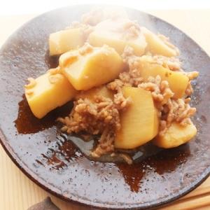 里芋と挽肉の煮物
