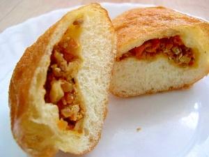 揚げパン(ひき肉入り)