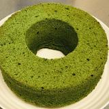 簡単♪しっとりふわふわ米粉の濃厚抹茶シフォンケーキ