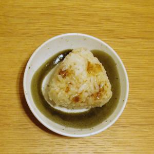 余った納豆のタレを活用☆鰹節と納豆のタレのおにぎり