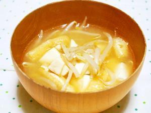 もやしと豆腐の味噌汁♪
