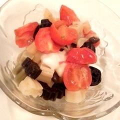 カラフルマカロニでトマトとモッツァレラのパスタ