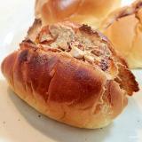 苺ジャムと玄米フレークとアーモンドのロールパン