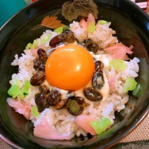 お花畑の納豆卵かけご飯