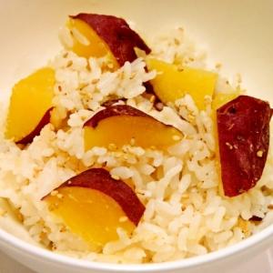 炊飯器で簡単♪ゴロゴロッとサツマイモの炊き込みご飯