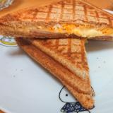 ハムチーズマヨエッグサンド(ホットサンド)