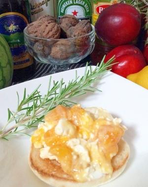 マンゴーとクリームチーズ、れんげ蜂蜜のパン☆