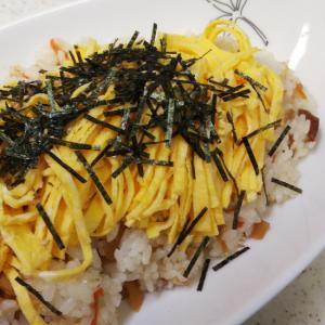 ちらし寿司(市販のもと使用)