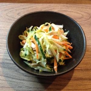 キャベツときゅうりとハムのサラダ