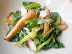 サバ・小松菜・エリンギの炒め物