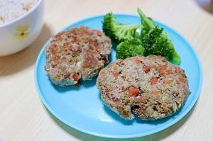 野菜たっぷりの豆腐ハンバーグ!