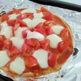 ピザクラストで☆トマトとモッツァレラのピザ