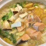 鮭と野菜たっぷり☆簡単石狩鍋