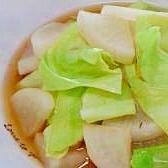 大根とキャベツの味噌スープ