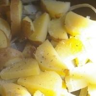 ジャガイモと玉ねぎのハーブソテー