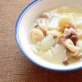 旨味たっぷり!大根とにんにくのスープ