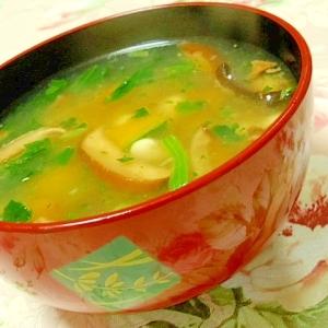 大豆とほうれん草の中華スープ