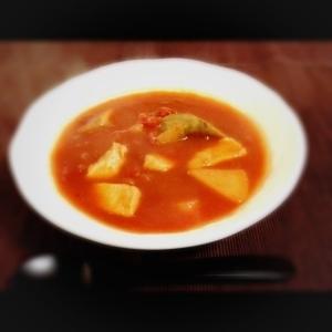 酸味が効いた 根菜のトマトスープ