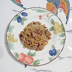 牛バラ肉と玉葱、えのきの炒め物
