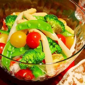 白菜のクリスマスサラダ☆アンチョビドレッシング