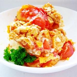 トマトと玉子の中華風炒め丼 トマたま丼
