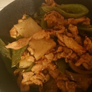 豚肉と長いものピリから炒め