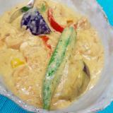 冷凍食品で(^^)鶏肉と野菜の簡単グリーンカレー♪