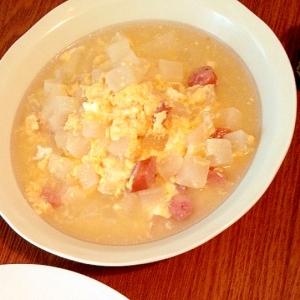 大根とソーセージの卵スープ