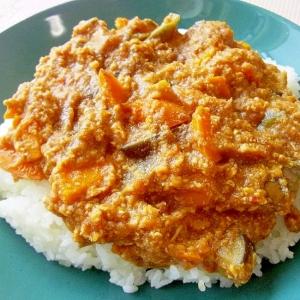 レンジで簡単♪ヘルシー♪鶏とおからの夏野菜カレー