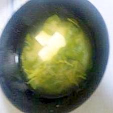 豆腐とまびき菜のみそ汁