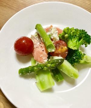 モッアレラチーズとグリーンサラダ