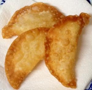 餃子の皮で超手抜きなアップルパイ