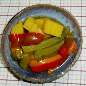 パプリカとおくらとさつま芋の煮物